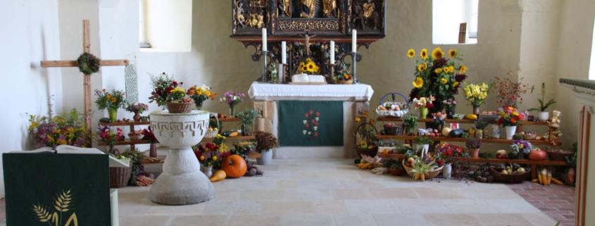 Chorraum Kirche Gleisberg zum Erntedankfest