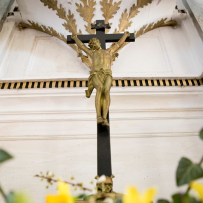Kirche Marbach Kruzifix auf Altar