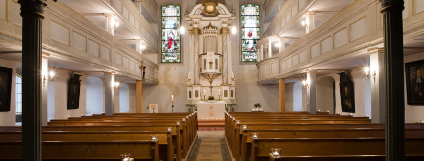 Kirchenschiff Marbach - Blick zum Altar