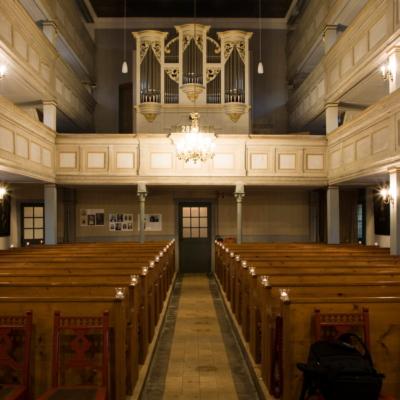 Kirchenschiff Marbach - Blick zur Orgel